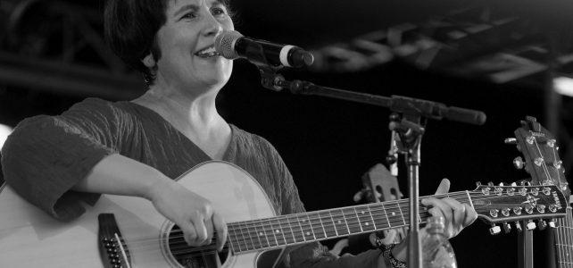 Karan singt im Schröder-Haus in Würzburg